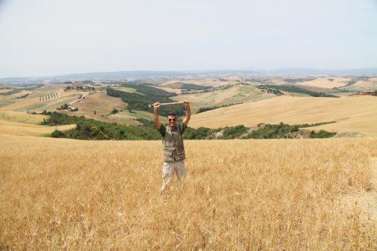 Siena, Italia: Alessandro in the Crete Senesi area