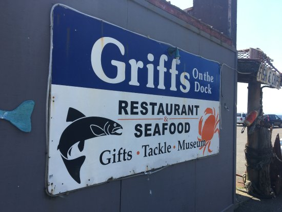 ‪‪Port Orford‬, ‪Oregon‬: Griff's combines food, historical items and souvenirs in one building‬