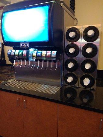 ปลาเซอร์วิลล์, แคลิฟอร์เนีย: free self serve soda (Pepsi) machine- there's ice too