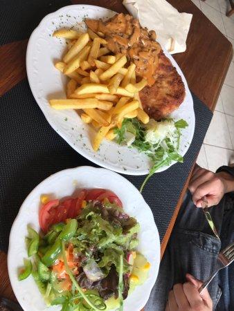 Blankenheim, Deutschland: Lunchen bij Weisses Haus