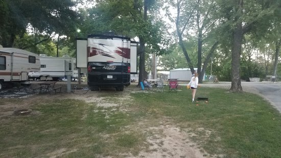 Eldon, MO: Lazy River RV Resort