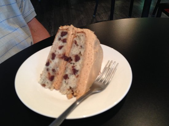 Calais, Мэн: Banana chocolate chip cake with peanut butter frosting