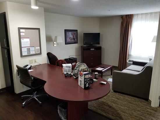 Candlewood Suites Washington, Dulles Herndon: 20170810_173200_large.jpg