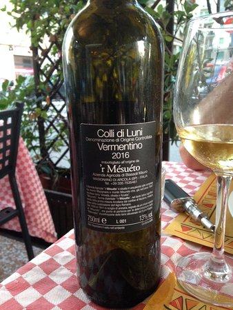 Il Picchio Rosso : Lovely local wine