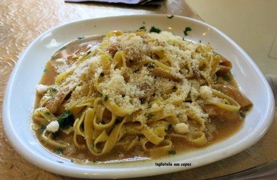 Hone, Italie : tagliatelle sauce aux cepes