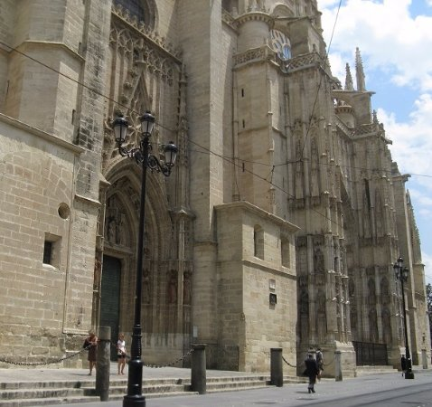 Catedral sevilla exterior picture of seville cathedral for Exterior catedral de sevilla