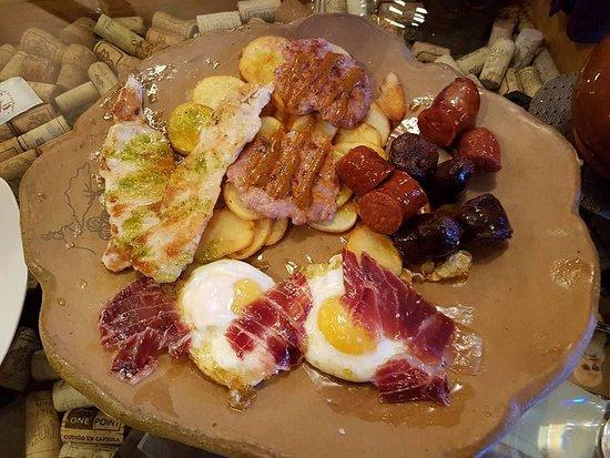 Alpandeire, España: Plato de degustación