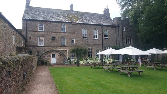 bishop's dining room - picture of lord crewe arms hotel restaurant