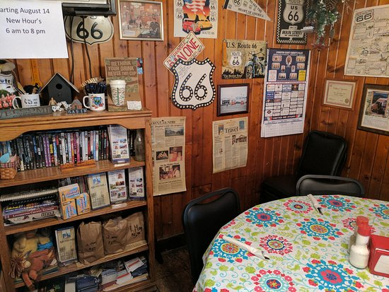 Pontiac, IL: Old Log Cabin Inn