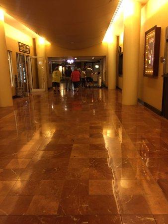 Turning Stone Resort Casino: hall