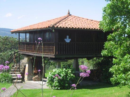 Quintueles, İspanya: Garden house