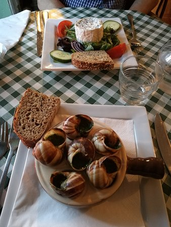Steyning, UK: snails and warm goat cheese