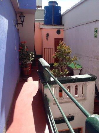 Hostal La Reyna: Un des nombreux patio donnant sur les terrasses