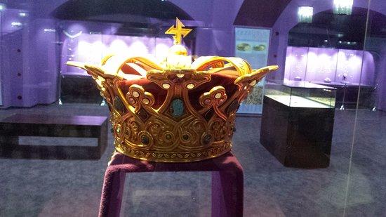 Muzeul National de Istorie a Romaniei : The crown of Queen Maria.