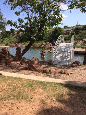 Medicine Park, Οκλαχόμα: By the bridge
