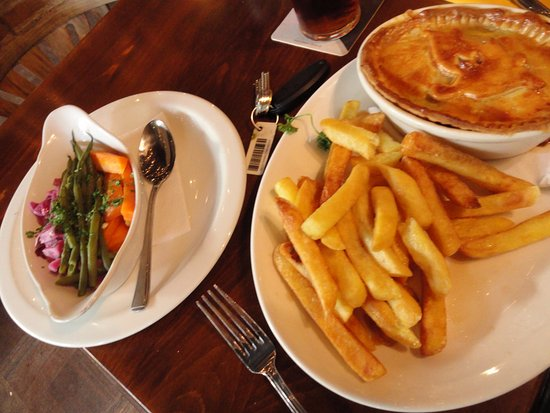 Jevington, UK: steak ad kidney