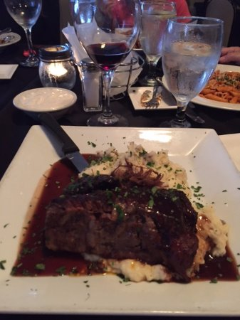Broadalbin, NY: Braised Short Ribs and Mashed Potatoes