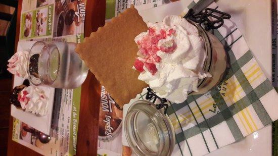 Tourville-la-Riviere, Francia: Dessert timbale fraise citron 😊