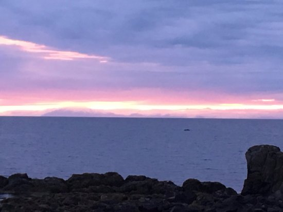 Akranes, Islandia: Great place to view the sunset!