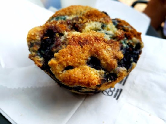 Annette's Mountain Bake Shop: Blueberry muffin extraordinary