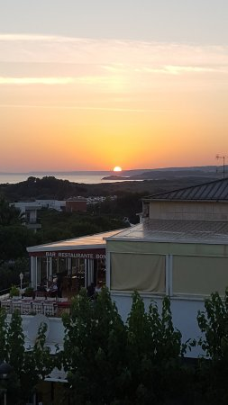 Royal Son Bou Family Club: Il tramonto dal ristorante Los Olivos