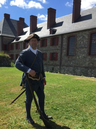 Louisbourg, Canada: Costumed actors explain the life in the fortress!!