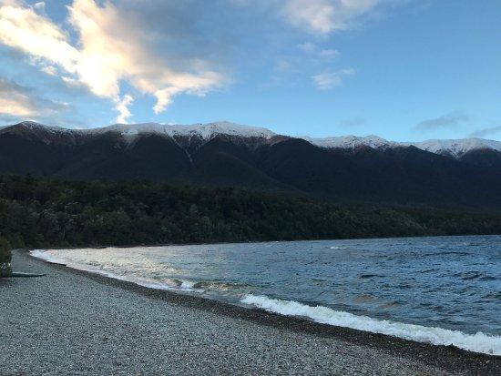 Nelson-Tasman Region, Νέα Ζηλανδία: Took a rental car from Picton to Nelson lakes and stayed at the alpine lodge! So worth the drive