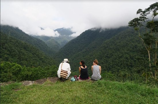 Expotur -  Day Tours: view of the mountains from the lost city with our guide