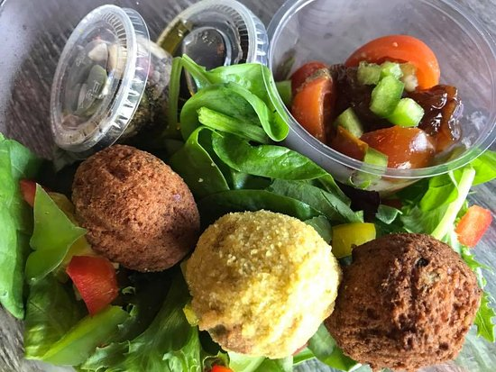 Redcar, UK: Vegan Falafel Super Food Salad Pot