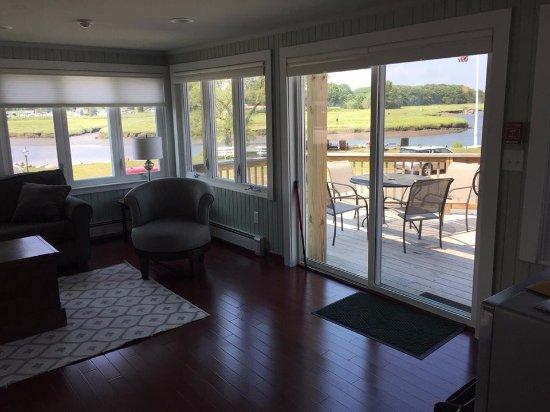 Shea's Riverside Inn & Motel: View of deck