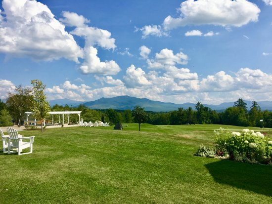 Whitefield, NH: Hotel grounds