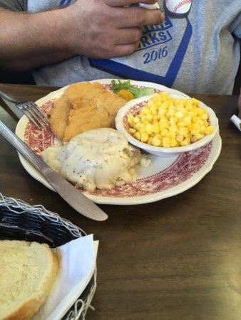 Arkansas City, KS: Brick's Restaurant