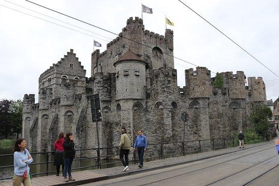 Brussels City Tours: Gravensteen