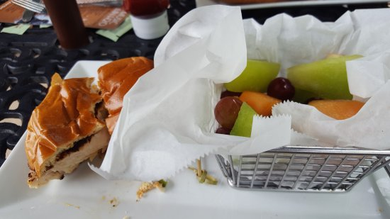 Bear, DE: Grouper Sandwich with fruit salad