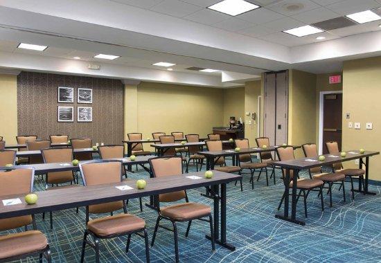 Peoria, IL: Meeting Room