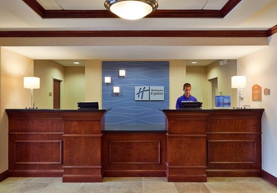 Harriman, TN: Check Inn and Check Out with our friendly staff.