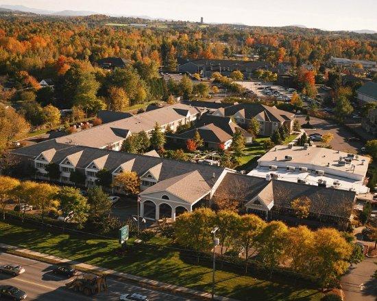 South Burlington, VT: Doubletree Fall Aerial View