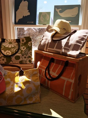 Kennebunkport, Мэн: Maine Made Handbags and Totes