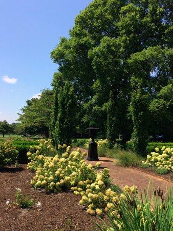 Bardstown, KY: Gardens