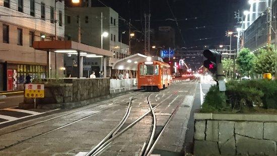 電車 松山