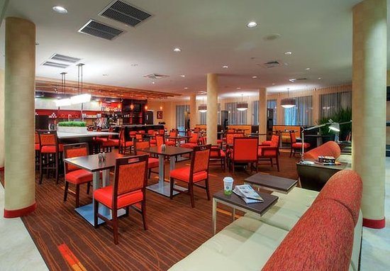 Johnson City, TN: Dining Area