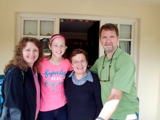Whispering Pines B&B: Mary and Kate were so warm and helpful!