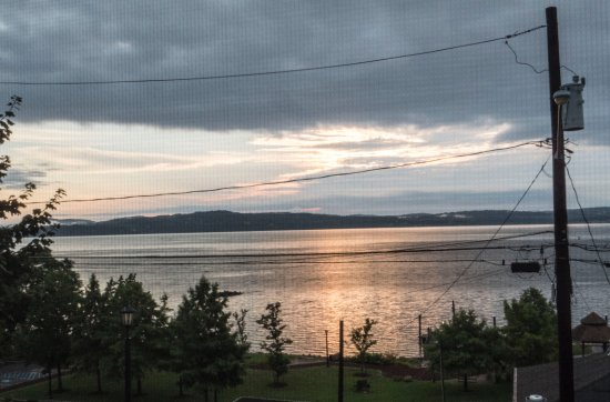Haverstraw, Nova York: Sunrise View from our Window