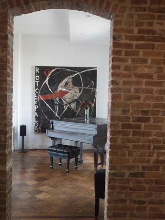 Haverstraw, NY: Downstairs Sitting & Music Room