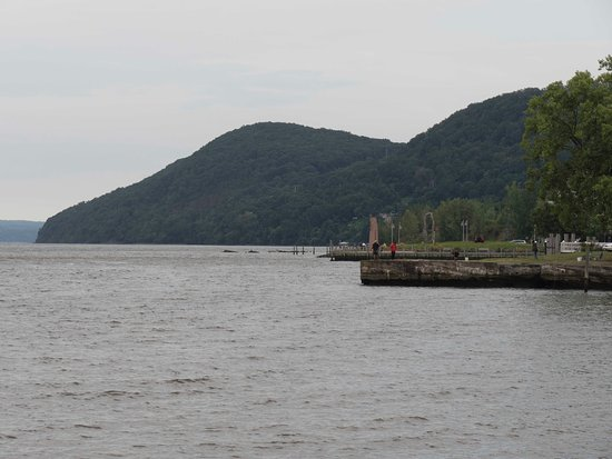Haverstraw, Nova York: erbankview of Hudson Riv