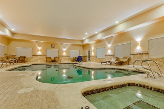 Holiday Inn Express & Suites Alpine Southeast: Unwind in our spacious Swimming Pool