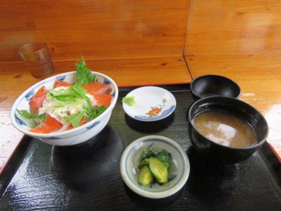 Matsukawa-mura, Japan: サーモン丼