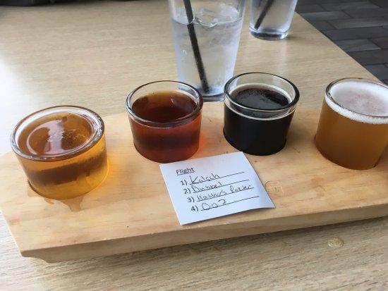 Burnsville, Minnesota: Beer Flight
