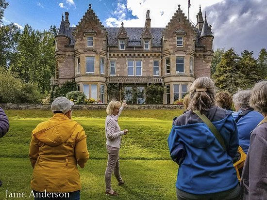 Aigas Field Centre : Lady Lucy Lister-Kaye shares her garden and history of the house.