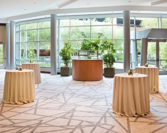 Edina, มินนิโซตา: Ballroom Foyer
